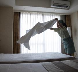 ホテルサービス業